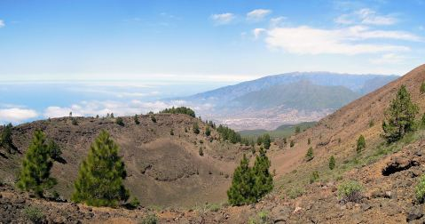 LP_07_(46)_On_the_rim_of_Volcan_San_Juan_(Wp7-8)(edited)